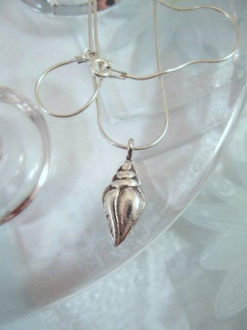 Silverhalsband med silversnäcka - Marint