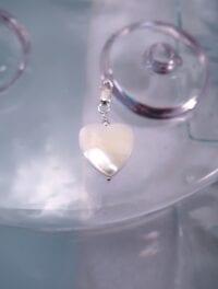 Berlock med karbinlås - Hjärta/Pärlemor