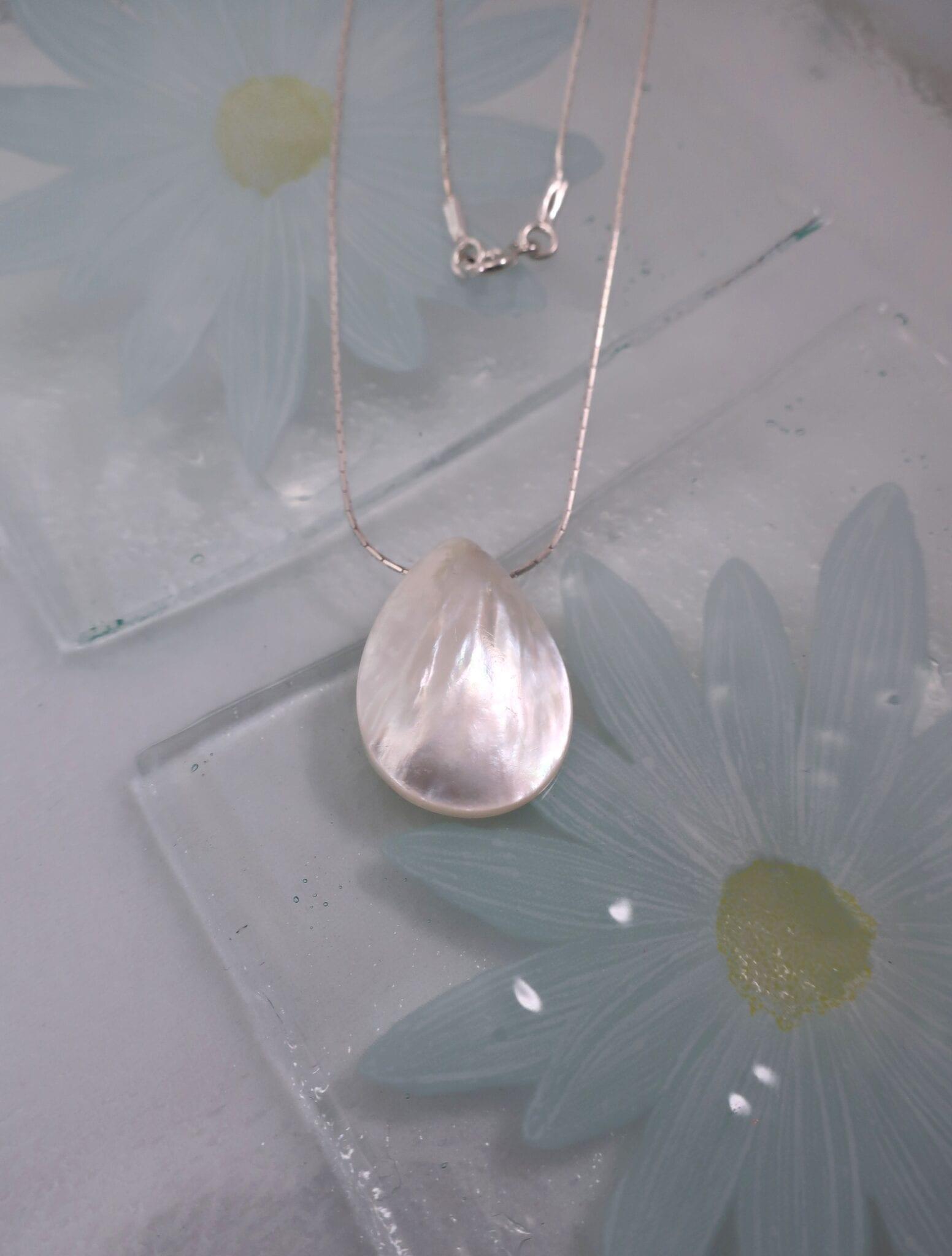 Pärlemor på kedja halsband - Droppe