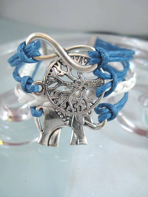 Armband med berlocker - Blå/Vit/Fyrradigt