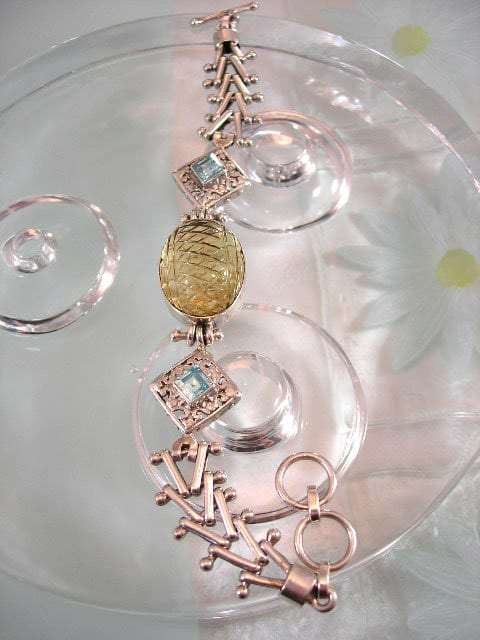 Topas armband - /Fasett/Snidat/Filigran/Ljusblå/Gul