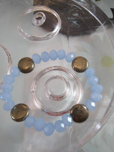 Armband med Pärlor o Pyriter - Puderblå/Flex