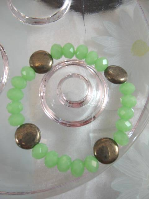 Armband med Pärlor o Pyriter - Grön/Flex