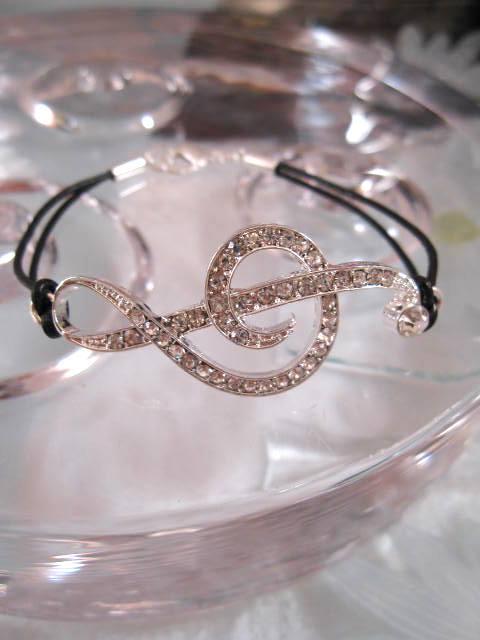Armband med G-klav - Kristaller/Strass/Läderrem/Svart