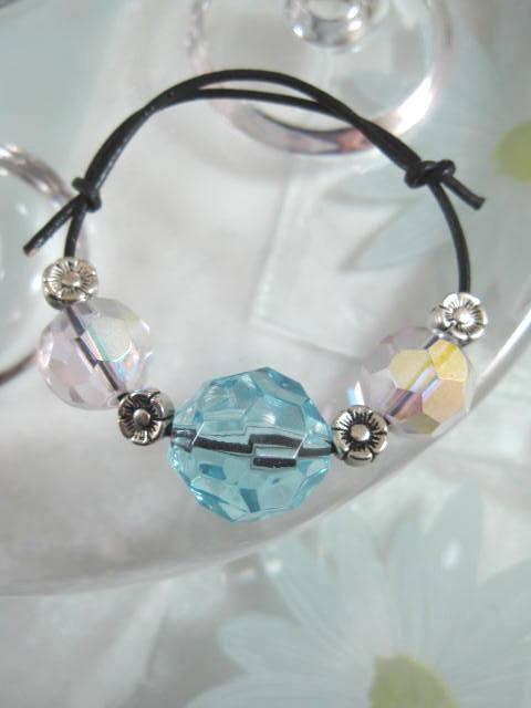 Armband på läderrem med Glas o Tibetanskt silver - Blå/Rosa/Justerbart
