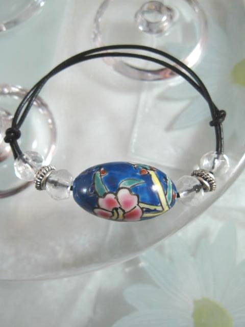 Armband på läderrem med Porslinsägg - Koboltblå/Justerbart