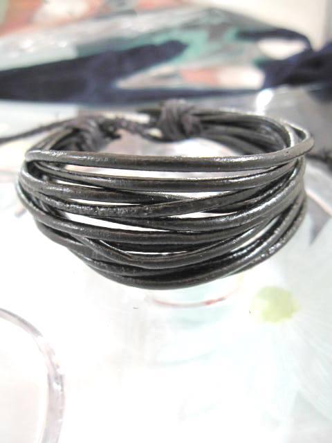 Läderrem armband - 12-radigt/Svart/Justerbart/Unisex