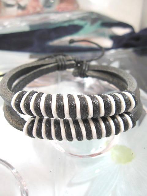Läderrem armband - Tvåradigt/Svart/Vit/Unisex