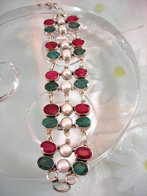 Rubin, Smaragd, Sötvattenspärlor armband - Fasett/Oval/XL