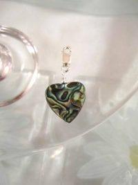 Berlock med karbinlås - Hjärta, Abalone, Paua snäcka