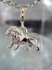 Berlock med karbinlås - Djur/Lejon