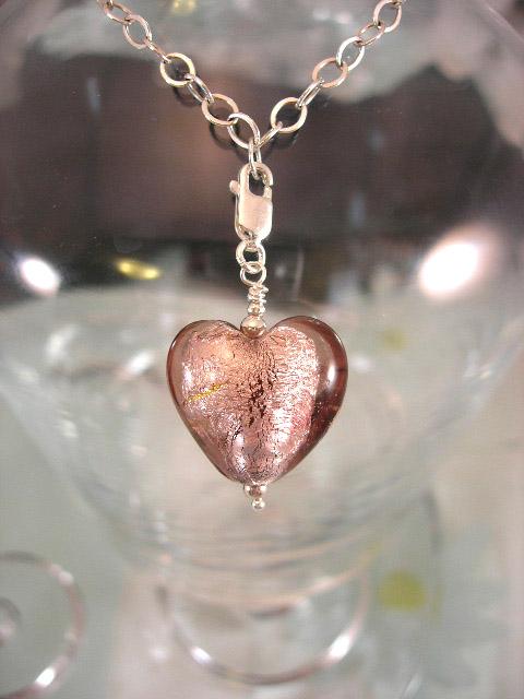 Berlock med karbinlås - Glashjärta/Rosa