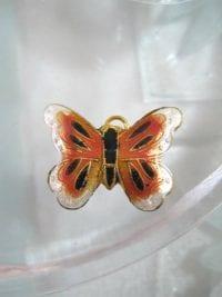 Bonus erbjudande 300 - Cloisonne hängsmycke - Fjäril/Orange