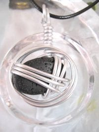 Aluminium o Lava halsband 3 - Oval/Inlindad/Svart