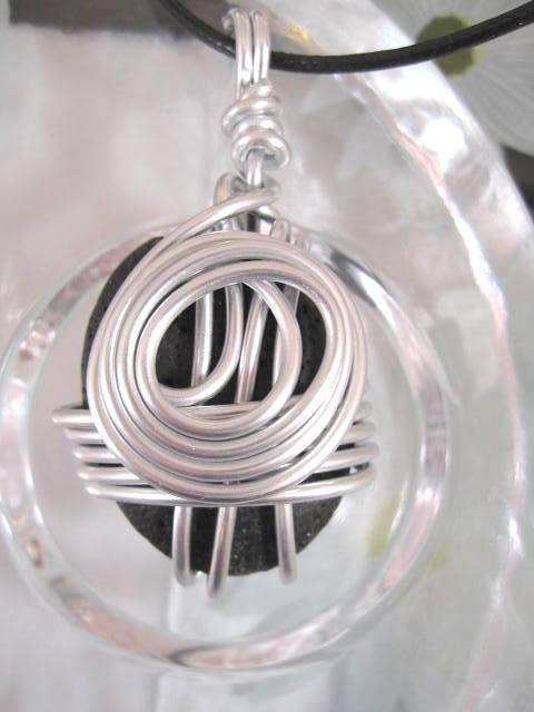 Aluminium o Lava halsband 2 - Oval/Inlindad/Svart