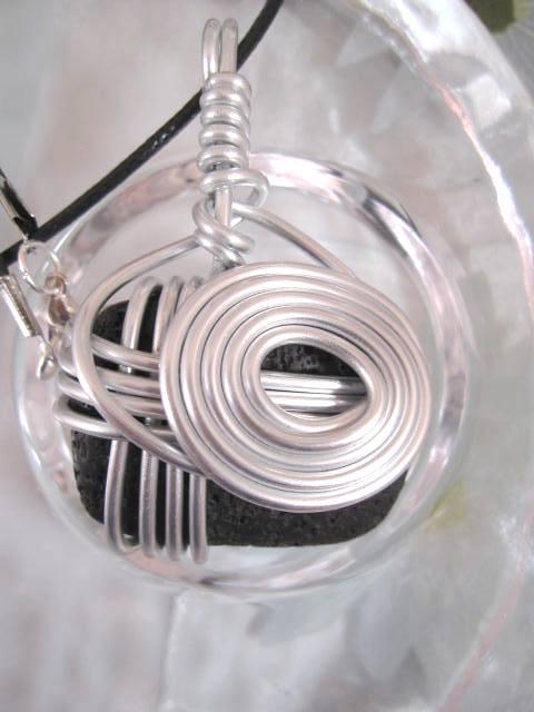 Aluminium o Lava halsband 2 - Kant/Inlindad/Svart