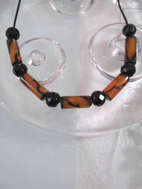 Glas o Kristall halsband på Läderrem - Cylinder/Fasett/Unisex