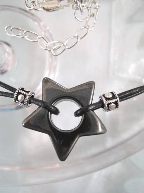 Hematitstjärna på läderrem halsband - Choker/Tvåradigt/Unisex