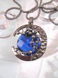Halsband med koboltblå kristall - Måne/Antik