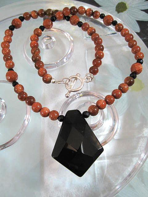Guldsten o Onyx halsband - Fasett/Diamant/Fasett