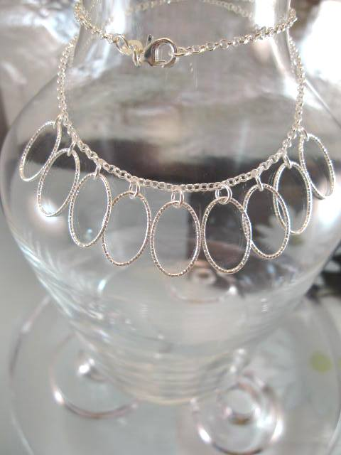 Silverhalsband, Berlockhalsband - Ovaler