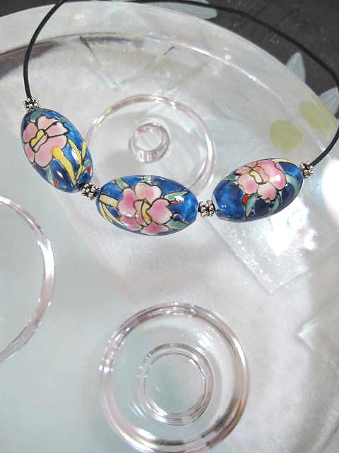 Porslinspärlor på svart läderrem choker, halsband - Blå