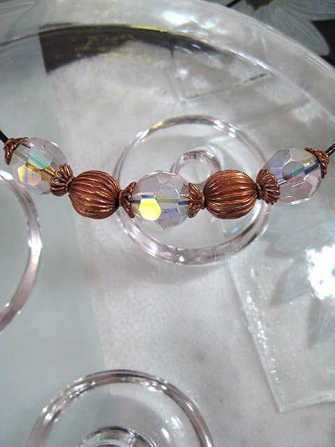 Pärlor på svart läderrem choker, halsband - Rosa/Koppar