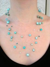 """Långt """"flytande"""" halsband med Sötvattenspärlor, Swarovskikristaller o Keishi"""
