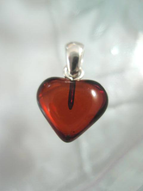 Baltisk Bärnsten hängsmycke - Hjärta 7