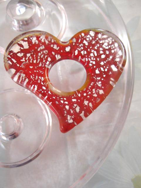 Glas hängsmycke - Hjärta/Röd