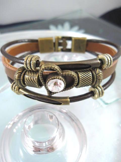 Armband i Läder med Kristallhjärta - Svart/Brun/Treradigt/Brons