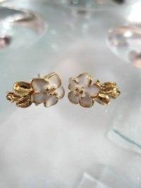 Bonus erbjudande 300 - Guldörhängen - Blomma/Vit