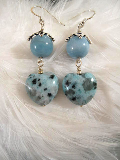 Amazonit o Kiwijaspis hjärtan örhängen - Blå/Grön