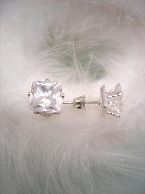 "Kubisk Zirkonia örhängen ""Diamant"" - Studs/Kuber/Unisex"