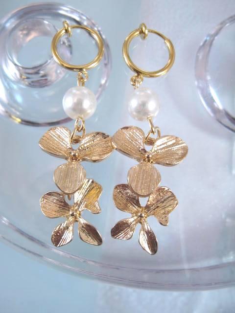 Clips creol örhängen med Orkide ranka o vit pärla - GP