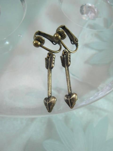 Bonus erbjudande 500 - Clips örhängen - Pil/Antik