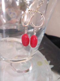 Creoler örhängen med Jade - Oval/Röd