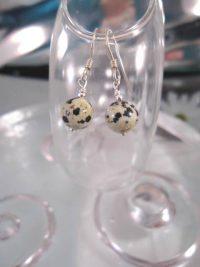 Dalmatinerjaspis örhängen - Pärlor