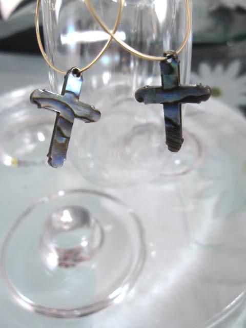Guld o Abalone örhängen - 14K GF/Creoler/Kors