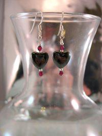Hematit o Granat örhängen - Hjärta/Fasett