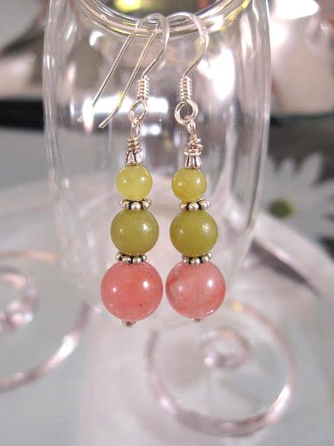 Jade o Körsbärskvarts örhängen - Oliv