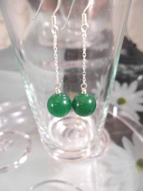 Jadepärlor på kedja örhängen - Grön