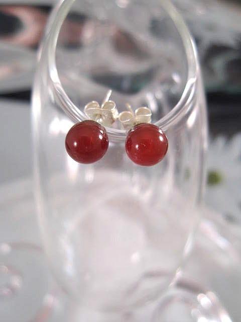 Karneol örhängen - Studs/Pärlor 6 mm