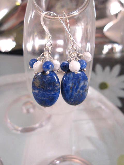 Lapis Lazuli o Howlitpärlor örhängen - Oval/Klase