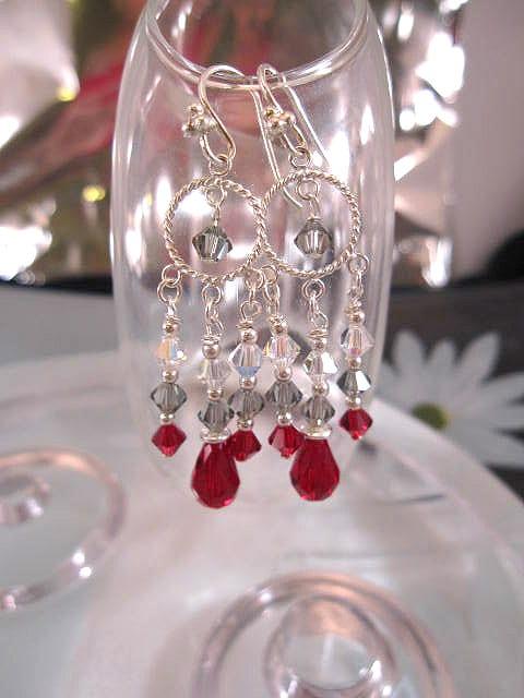 Swarovskikristall örhängen - Röd/Vit/grå/Chandelier