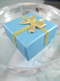 Presentask Berlock, Ring - Ljusblå, guld, rosett