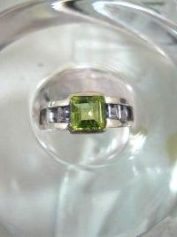 Peridot & Iolit ring - Fasett/Kant/Rad