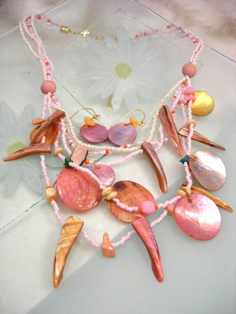 Smyckeset halsband o örhängen Snäckskal Rosa