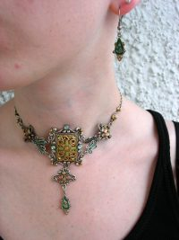 Smyckeset halsband o Örhängen - Choker/Kristaller