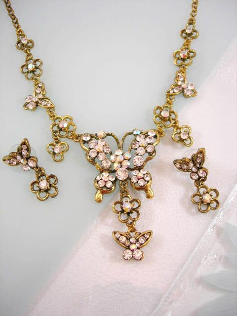 Smyckeset Halsband o örhängen Kristallfjärilar o blommor